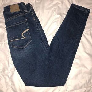 American Eagle, dark wash, high waisted jeans.
